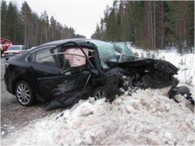 Молодая автоледи разбилась и угробила двоих человек, врезавшись на «Мазде» в ВАЗ