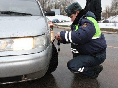 Гаишники поймали свыше сотни автомобилистов, не успевших поменять шины