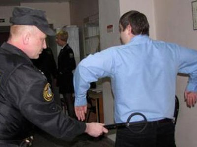За год в смоленские суды пытались пронести 26 тысяч запрещенных предметов