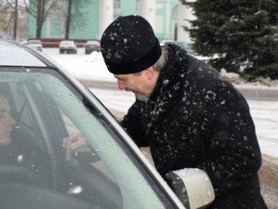 Батюшка призывал сафоновских автомобилистов к вежливости