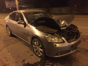 Водитель дорогой иномарки сбил насмерть девушку с собакой и сбежал