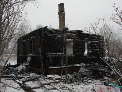 В доме под Кардымовом заживо сгорели две пенсионерки и ребенок