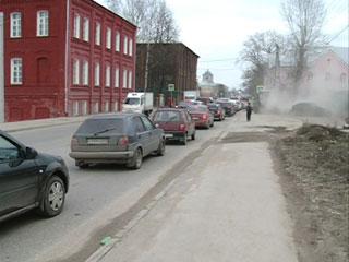 Смоленские коммунальщики уже вывезли с улиц города 1,5 тонны песка