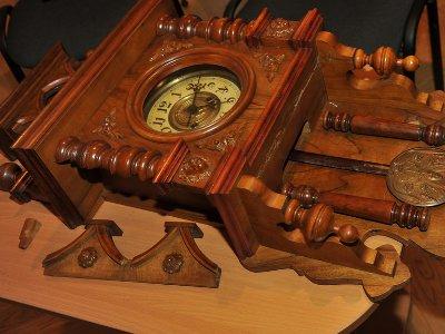 Музею-заповеднику таможня подарила антикварные часы