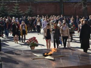 Участники «Музейного марафона» пронесли Георгиевскую ленту по центру Смоленска