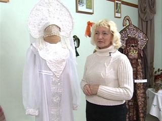 В Ярцеве на выставке представили копии старинных смоленских костюмов