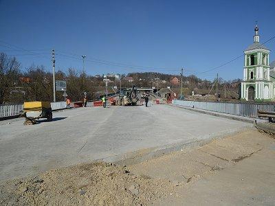 Движение на Крестовоздвиженском мосту откроют 5 апреля
