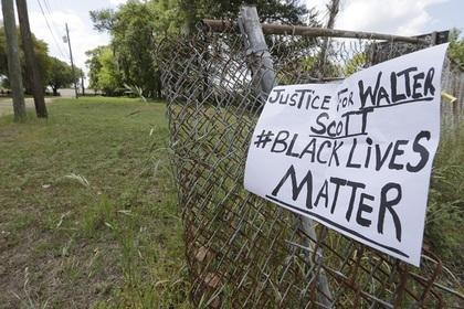 В Южной Каролине начались протесты из-за убийства полицейским афроамериканца