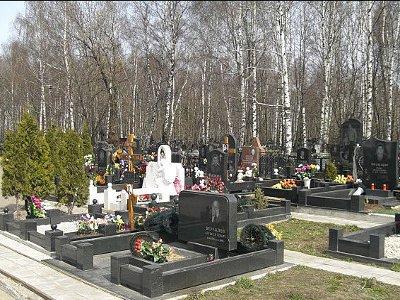 На кладбище в Заднепровье смолянка наткнулась на труп