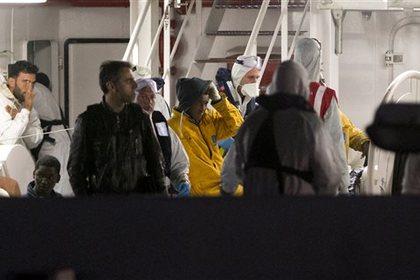 В Италии задержан капитан затонувшего судна с мигрантами