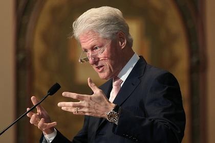 Самолет Билла Клинтона аварийно приземлился в Танзании