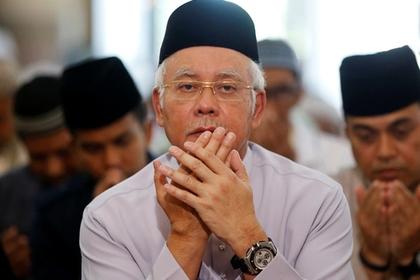Два малайзийских чиновника погибли при катастрофе вертолета