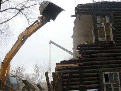 Коммунальщики снесут в Смоленске четыре барака и отремонтируют семь крыш