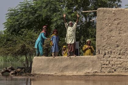 В Пакистане из-за наводнения погибли 37 человек
