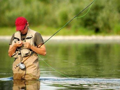 Неудачная рыбалка заставила смолянина поживиться за счет прохожего