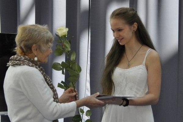 Юных смолян наградили престижными премиями