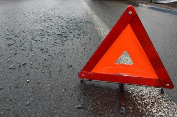 В Смоленской области мотоцикл угодил под тягач. Байкер серьёзно пострадал