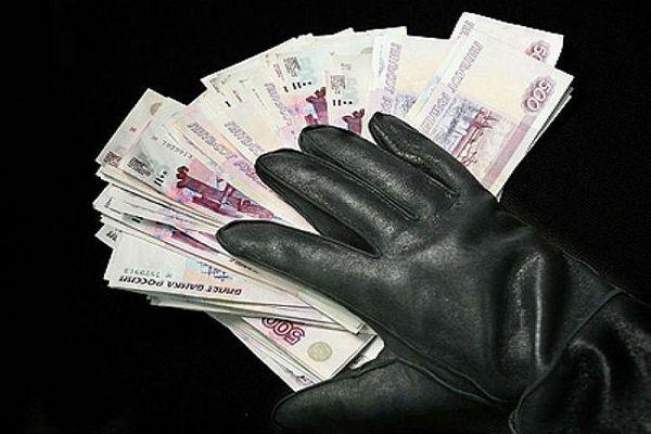 В Смоленске предприниматели обманули клиентов на 300 тысяч рублей
