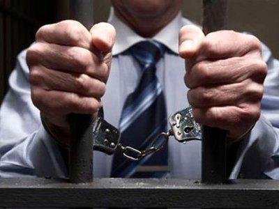 Следователь и адвокат из Гагарина сядут за взяточничество