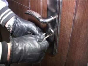 За полгода на территории Смоленской области совершено более 250 квартирных краж