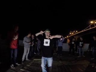 Энтузиасты устроили танцевальный «джем» на смоленской набережной