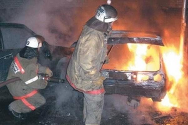 В Смоленской области на ходу запылал Mercedes