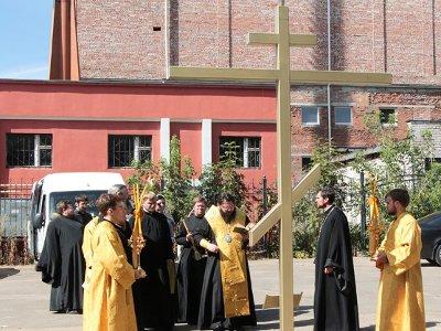 В Смоленске освятили кресты на местах будущих восьми церквей