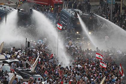 Мусорные кучи довели Ливан до протестов
