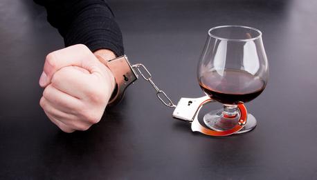 Как справиться с алкоголизмом?
