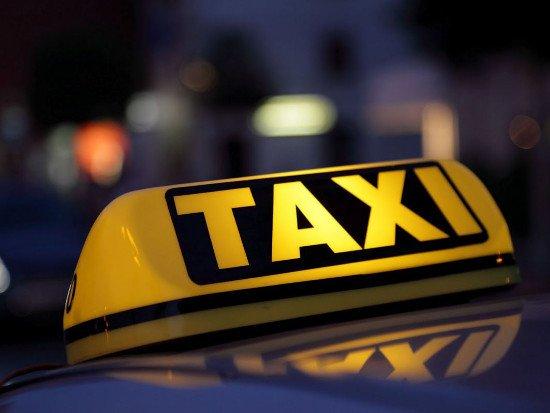 Смоленские таксисты митинговали в Москве против онлайн-сервиса Uber