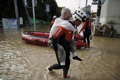 В Японии из-за наводнения остановлены три завода Toyota