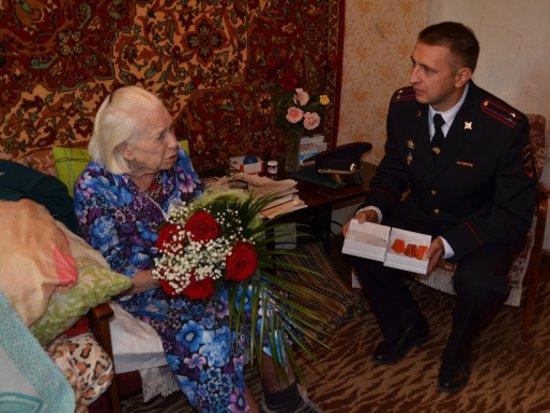 Непутевый сосед украл у 95-летней участницы войны все ее медали