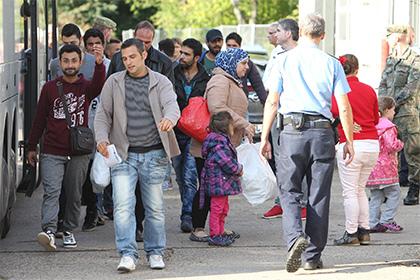 Немецкие спецслужбы предупредили о попытках исламистов завербовать беженцев