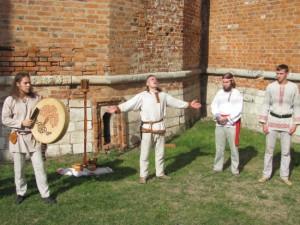 Язычники провели у Громовой башни обряд славления богов и предков