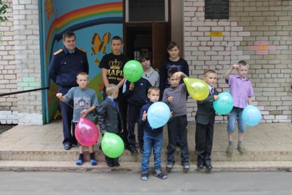 Смоленские следователи устроили праздник детям из «Истока»