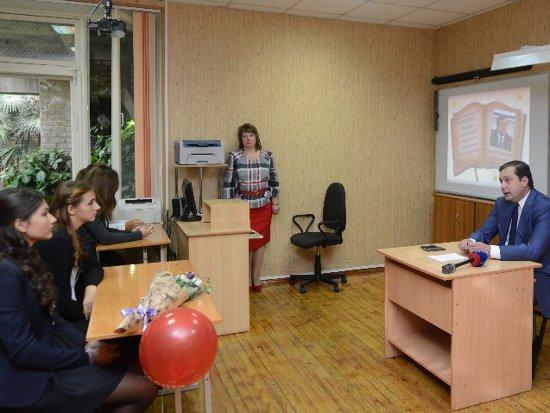 Островский пообещал школе № 33 долгожданное расширение