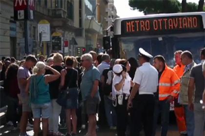 В Риме остановлено движение в метро из-за обрушения потолка