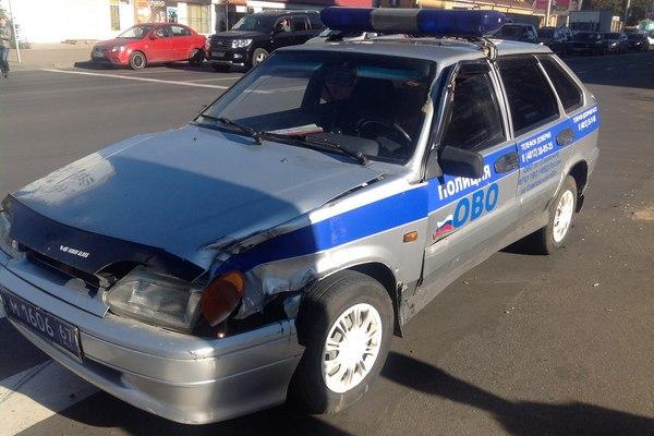 В Смоленске не поделили дорогу полицейская машина и грузовик