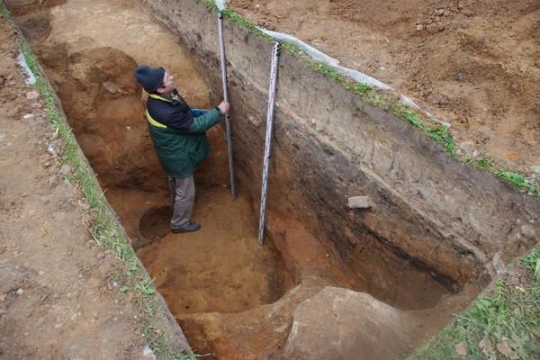 Под Смоленском археологи нашли древний корабль, на котором могли плавать викинги