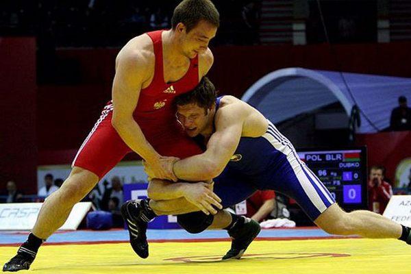 В Смоленске определят сильнейших борцов вольного стиля среди юниоров