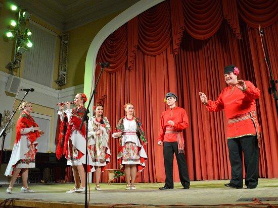 Смоленский ансамбль «Русская душа» дал первый концерт в филармонии