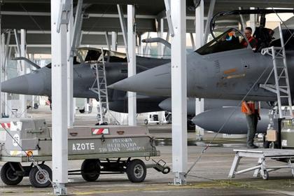 Французские ВВС нанесли удар по столице «Исламского государства»