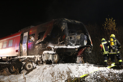 В ФРГ поезд столкнулся с американским военным грузовиком