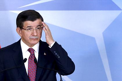 Премьер Турции призвал открыть военный канал связи с Россией