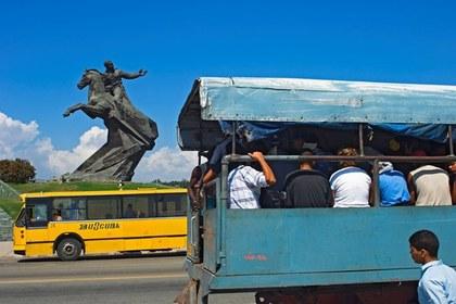 На Кубе при столкновении двух грузовиков погибли 13 человек
