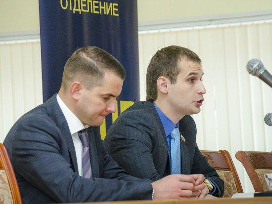 «Партия смоленского губернатора» переизбрала руководство