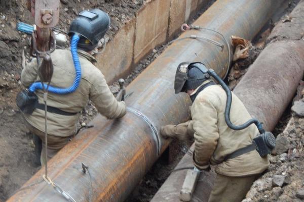 В Смоленске на Николаева ремонтируют теплосеть