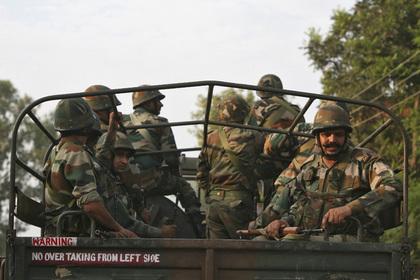Боевики открыли стрельбу в пакистанском университете