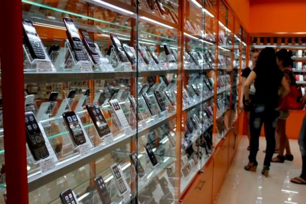 В Смоленске директора салона сотовой связи подозревают в присвоении денежных средств