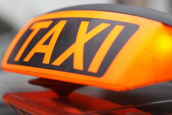 В Смоленской области два таксиста не поделили место на стоянке